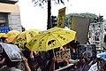 支持曾健超的示威者高舉黃傘及標語在法院外集會.jpg