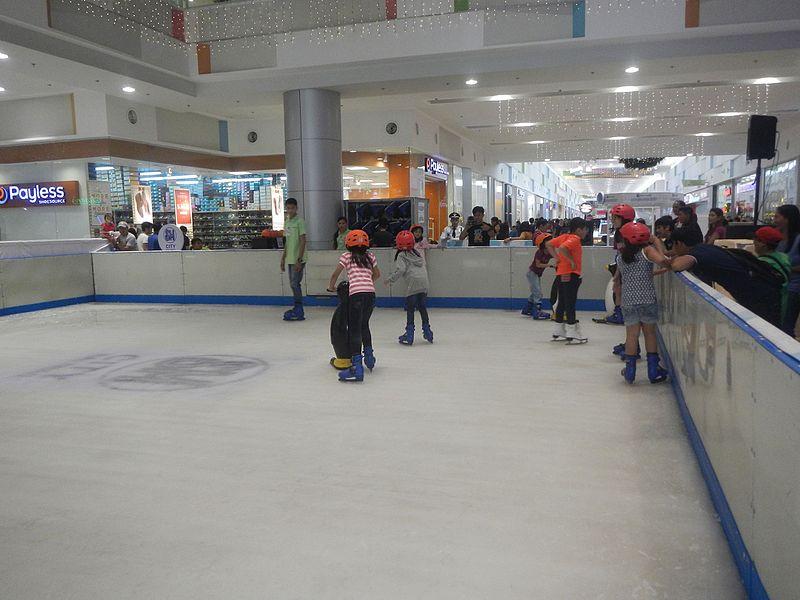 File:02157jfSM Storyland Mobile Ice Rink Baliuagfvf 18.jpg