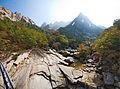 0443 - Nordkorea 2015 - Kumgang Gebirge (22972518231).jpg