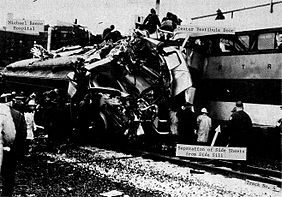 1972 Chicago commuter rail crash wreckage.jpg