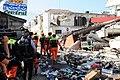 2010년 중앙119구조단 아이티 지진 국제출동100118 중앙은행 수색재개 및 기숙사 수색활동 (108).jpg