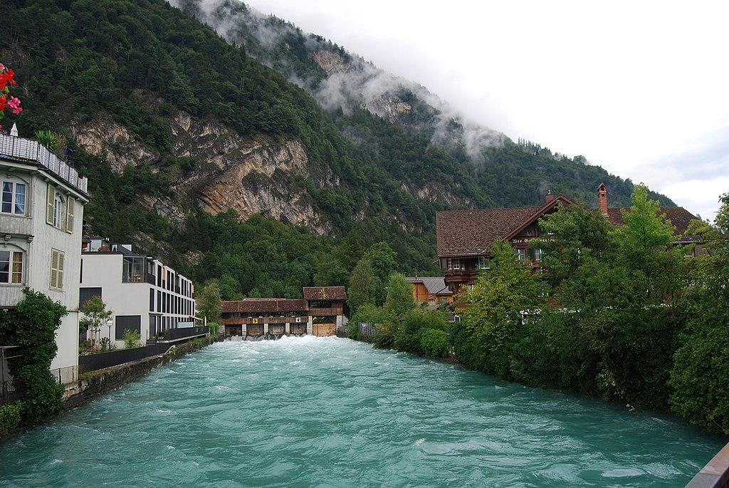 Švajcarska 1024px-2011-07-21-Interlaken_%28Foto_Dietrich_Michael_Weidmann%29_006