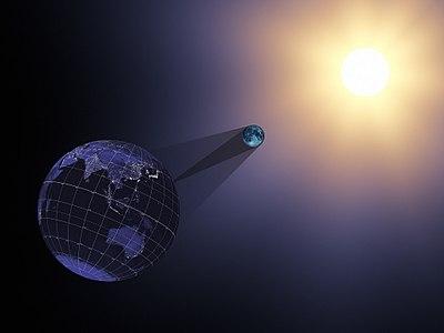 2017 Eclipse- Earth, Moon and Sun (36035244880).jpg