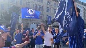 Файл:2021-05-29 - Man City v Chelsea - Chelsea fans in Porto.webm