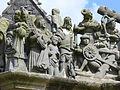 4354.Calvaire-Kalvarienberg von Saint Miliau in Guimiliau zwischen 1581 und 1588 errichtet zeigt mit insgesamt 200 Figuren 17 Passionsszenen im Turm und im Fries 15 Szenen aus dem Leben Jesu.JPG