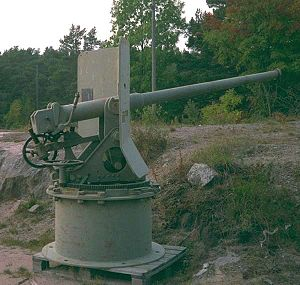 QF 6 pounder Nordenfelt - 48 calibres version at Gyltö, western archipelago of Finland, 1999. Photo by Ove Enqvist