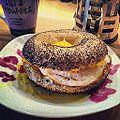 Aaah... J'adore les petit-déj du week-end. -bagel (8035365307).jpg