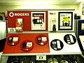 Affichage des télépĥones prépayés Rogers et Fido chez Zellers.jpg
