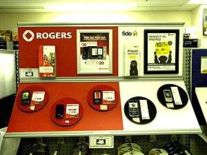 Rogers Wireless - Image: Affichage des télépĥones prépayés Rogers et Fido chez Zellers