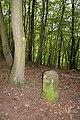 Alter Stolberg - Karstwanderweg mit Grenzstein Nr. 201.jpg