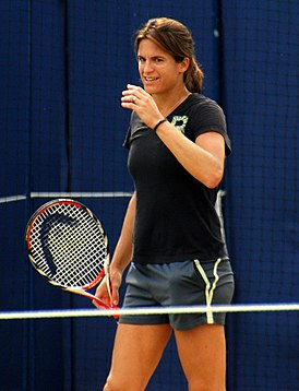 Amelie Mauresmo at the Aegon Championships 2014.jpg