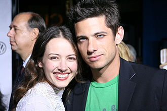 Amy Acker - Acker with husband, James Carpinello, in 2005