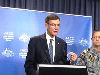 Angus Houston - Houston speaking to the media at a JACC press conference in Perth, 14 April 2014