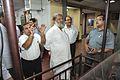 Anil Shrikrishna Manekar Explains Exhibit to Anil Vij - CRTL Workshop - NCSM - Kolkata 2016-10-07 8179.JPG