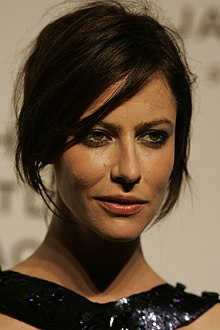 Anna mouglalis under a false name