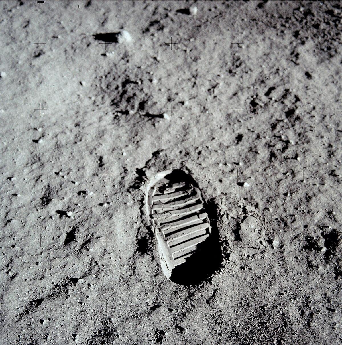 Sol lunaire — Wikipédia