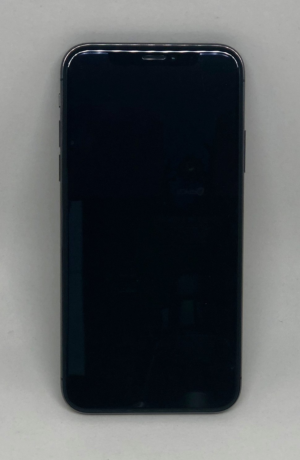 Apple iPhone X - front (8121)