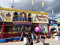 Arabian Daze Fun House - panoramio - Corey Coyle.jpg