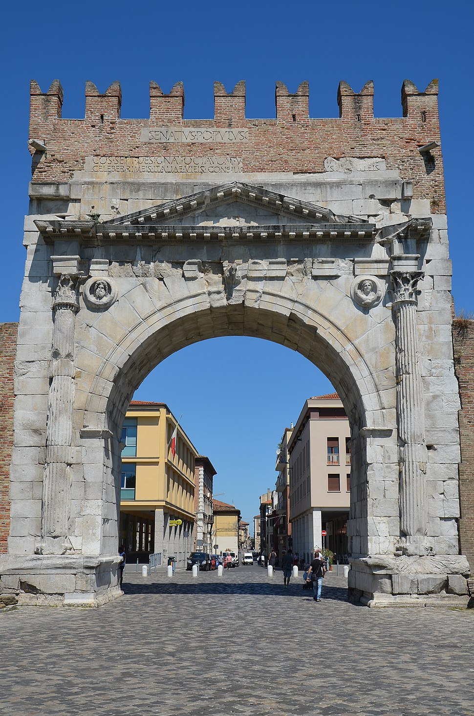 Arch of Augustus at Ariminum, dedicated to the Emperor Augustus by the Roman Senate in 27 BC, the oldest Roman arch which survives, Rimini, Italy (19948839545)
