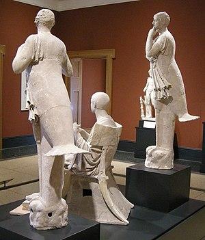 Klismos - Image: Arte greca della sicilia, da taras. poeta come orfeo tra due sirene, 350 300 ac. 02