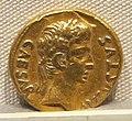 Augusto, aureo di p. petronius turpilianus, 19 ac..JPG