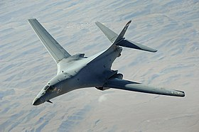 Un B-1B Lancer, appartenente al 34th Expeditionary Squadron dell'USAF, in ricognizione nei cieli dell'Afghanistan; 2008.