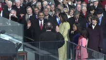 Datei:Barack Obama Oath of Office during Inaugural.ogv