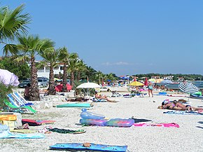 Beach on Vir.jpg