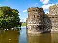 Beaumaris Castle 20000204 012.jpg