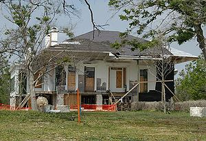 Beauvoir (Biloxi, Mississippi) - Beauvoir (April 2006), 7 months after Hurricane Katrina (before roof was repaired, without porches rebuilt).