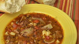 Ditalini - Image: Beef and barley soup with tomatoes and ditalini pasta