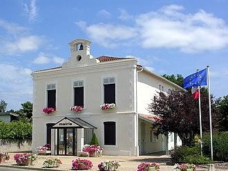 Benquet - Town hall