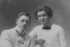 Bernard Karlgren with his wife Inna.jpg