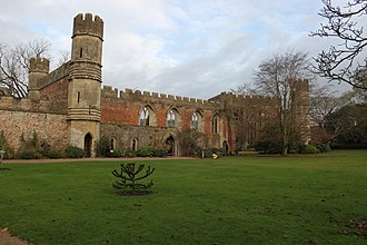 Scheduled monuments in Mendip - Image: Bishop's Palace, Wells. Ruin of great hall 3