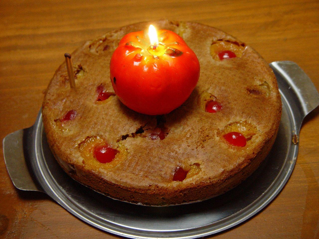 Fileblazing Tomato On Cakeg Wikimedia Commons