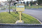 Boîte lettres Poste place Mairie St Cyr Menthon 2.jpg