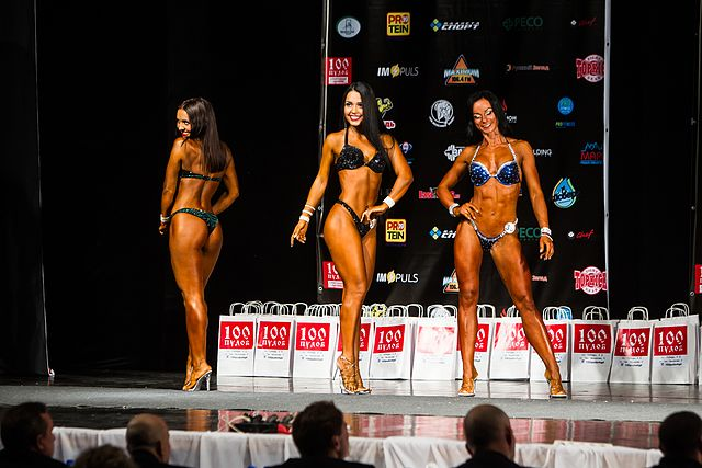 Bodybuilding and fitness bikini open tournament in Kaliningrad (2016-10-16) 07.jpg