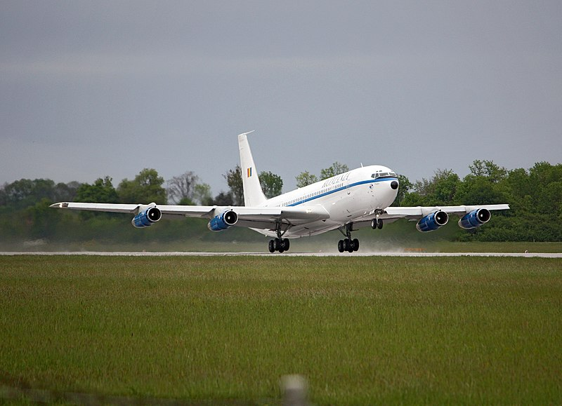 File:Boeing 707.jpg