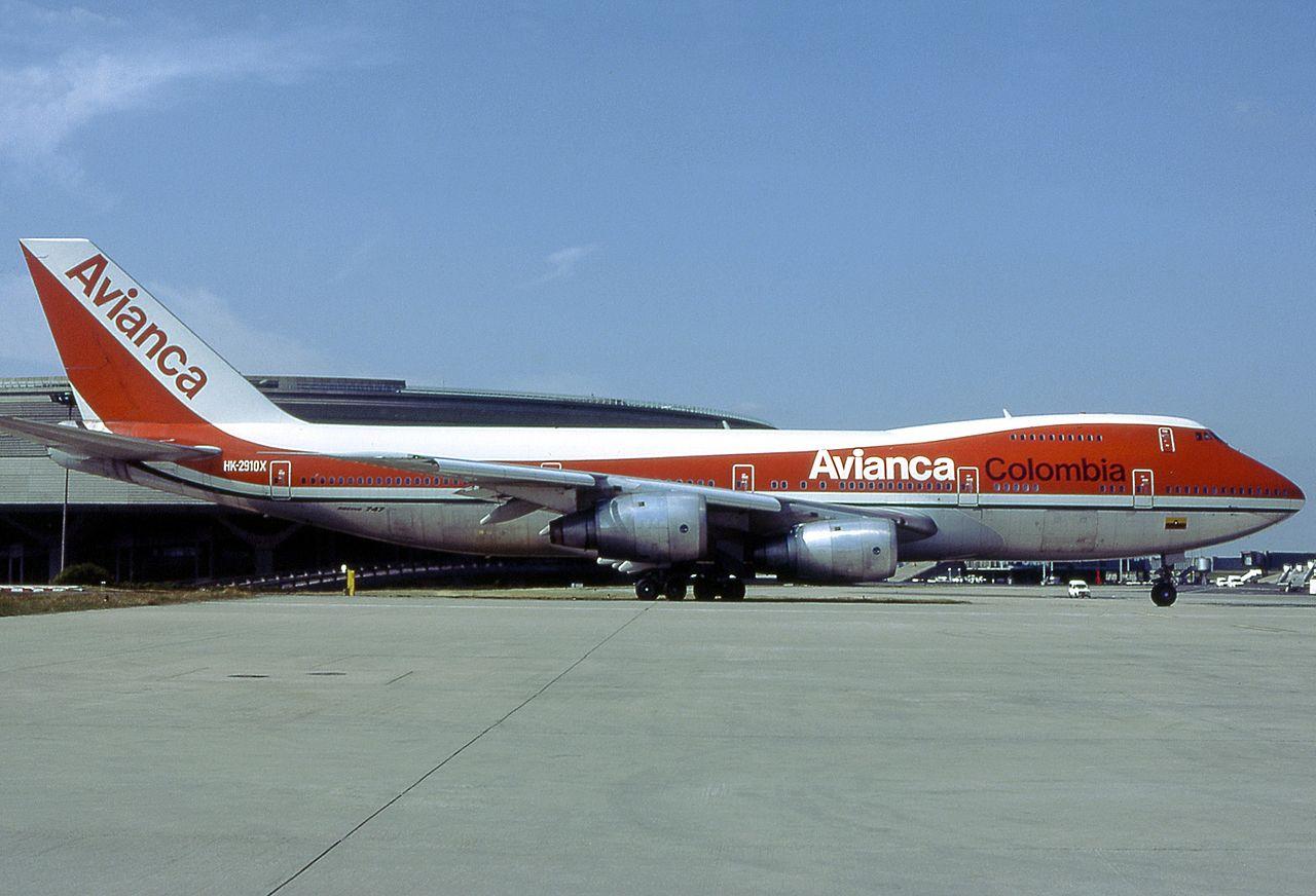 Boeing 747-283BM, Avianca AN1396439.jpg