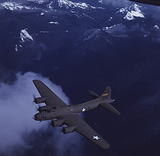 Boeing B-17F Flying Fortress, Mt. Rainier 1943.jpg