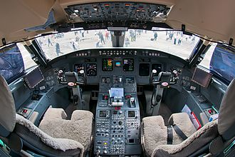 Bombardier CRJ700 series - The flight deck of a CRJ-1000 NextGen