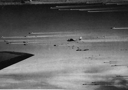 Part of a USAAF stream of over 1,000 B-17s Bomber stream.jpg
