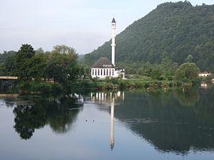 Bosanska Otoka - Bosanska Otoka with mosque at river Una