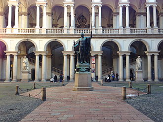 Brera Academy - The courtyard, with a bronze copy of Antonio Canova's statue of Napoleon as Mars the Peacemaker