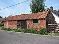 Brick barn - geograph.org.uk - 798326.jpg