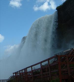 Bridal Veil Falls (Niagara Falls) - Bridal Veil Falls from below