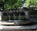 Brunnen am Essener Dom.jpg