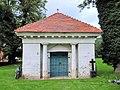 Buchholz Kirche Mausoleum 2011-08-17.jpg