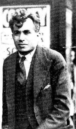 Buck Ruxton - Ruxton outside his home in Dalton Square, Lancaster, c. 1934
