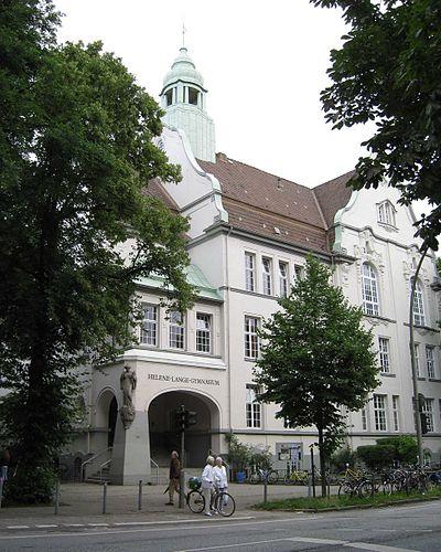 Building of the Helene-Lange-Gymnasium (entirly).jpg